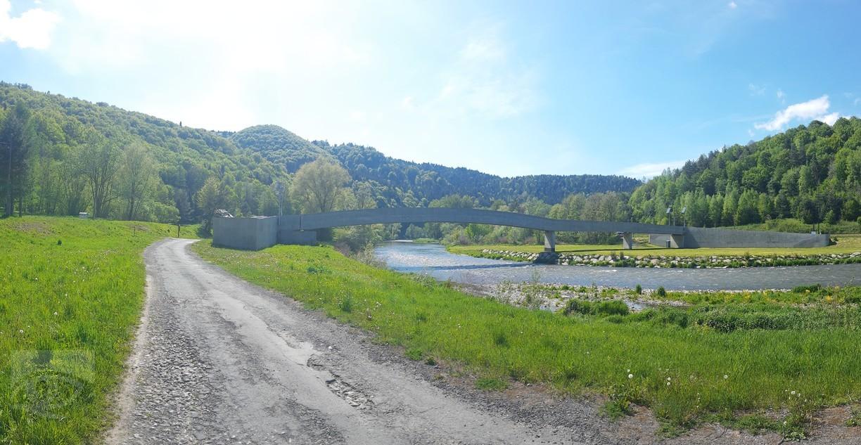 Lávka cez rieku Poprad