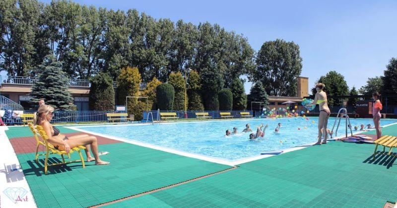 Letné kúpalisko Sabinov. Foto: Facebook - Život v Sabinove